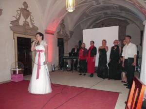 ... und der Unterstützung der Braut