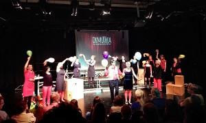 Die Show kann beginnen: Mit Tanz, Spaß aber auch leisen Tönen