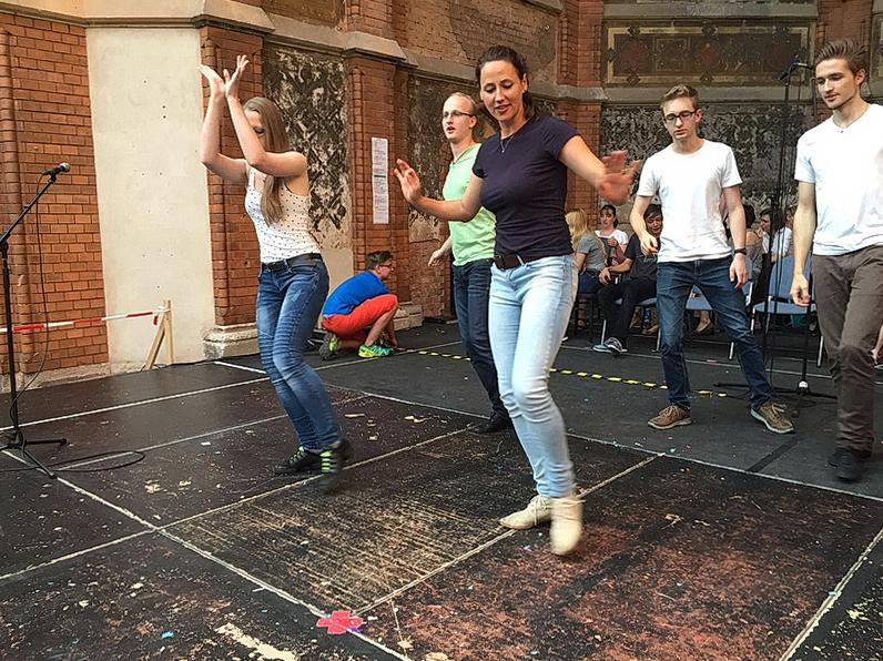 Tanzprobe mit den Tänzern der Tanzschule Herrmann-Nebl, Dresden und unserer Choreographin Jana Mesgahra.